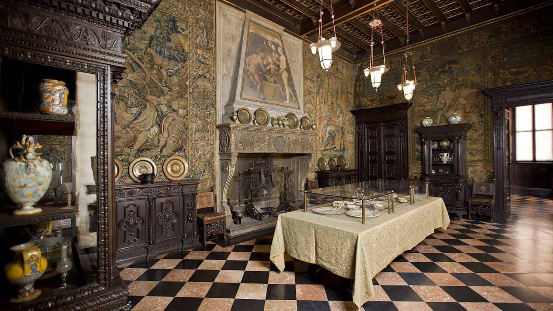 Обеденный зал музей Багатти Вальсекки Милан