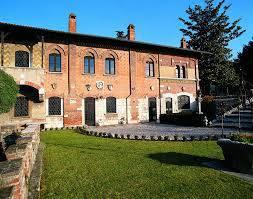 Gita a dimore storiche, preziose collezioni e lussureggianti giardini nell'area del Garda