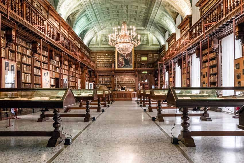 Tour of the Biblioteca Braidense (in Italian)
